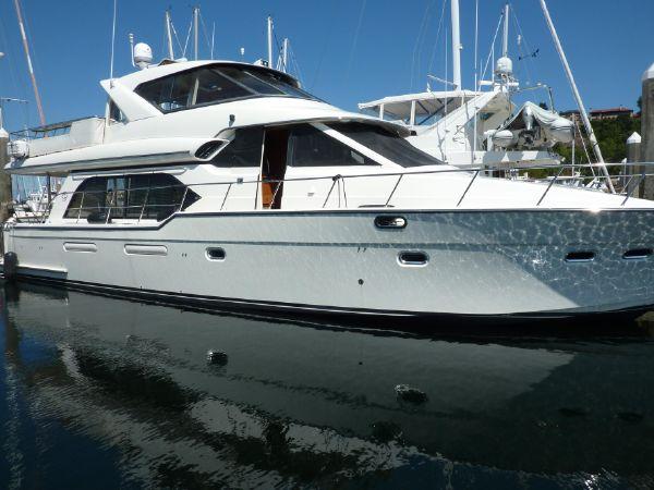 65′ Bayliner 5788 Pilot House Motoryacht – US $699,595